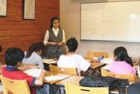 午前9時、教会の一室で、日系ブラジル人のウエンデル・ショミジャ君(15)は漢字の練習帳を開き、ゆっくり書き写していた。日焼けした手に鉛筆が強く握りしめられている。昼休みに友達とサッカーをするのが毎日の楽しみだ。