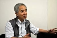 世界102カ国の文学者らで組織する国際ペンの年次総会「国際ペン東京大会2010」が9月23日~30日、早稲田大学大隈講堂などで開催される。参加85カ国・地域は過去最多となる。「環境と文学」をテーマに掲げ、環境をめぐる多彩な朗読劇を上演する今大会について、作家で日本ペンクラブ常務理事の吉岡忍さんにインタビューした。