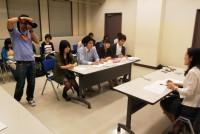 「男と女の関係はどのように変化してきたのか」をテーマに、マーケティングライターの牛窪恵さんをニューズルームEの講義にお呼びし、履修者全員でインタビューを行った。