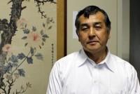 東京華僑総会は、日本に住む中国系の人々を支援する団体だ。会長の廖(りょう)雅彦さん(66)は、来年から施行される改正入国管理法に強く憤り、日本政府に反対の陳情をしてきた。「私たちも日本に住み永住権を持っている以上、日本人と同じ待遇にすべきで