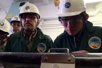 氏家恒太郎さんは、地質学者。沈み込みプレート境界で発生する地震に関する研究が専門だ。統合国際深海掘削計画に参加し、海底深くの地質調査に携わっている。そして、掘削調査で得られた地質サンプルを実験室に持ち帰り、摩擦の性質や微細構造を調べたり、化学組成の分析などを行う。現在は、2011年3月11日に発生した東北地方太平洋沖地震を引き起こしたとされるプレート境界の調査に挑んでいる。氏家さんに、日々の研究活動を聞いた。