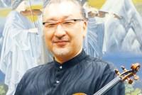 NHK交響楽団コンサートマスター、篠崎史紀さん(50)。熊本で室内楽のリハーサルを一般に公開する企画「マロ塾」の講師を務める。「リハーサル公開は、厨房を見せるようなもの」。観客に見てもらいたいのは、音楽が作られていく過程だ。