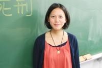 木曜日の午後8時になると、早稲田大学22号館の719号教室から、熱い議論の声が聞こえてくる。6月半ば、この日は30人ほどの学生が「死刑」について論じていた。誰でも自由に参加し、意見を述べ合える「拿山瑪谷(ナサン・マグー)東京勉強会」。台湾原住民である国際コミュニケーション研究科修士2年、何時宜(ハェシイ)さん(24)が立ち上げた。「我が家のことのように社会に関心を持とう」と訴えたくて、「我が家」という意味を持つ原住民の言葉を会の名にした。