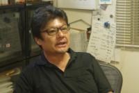 フリージャーナリストの佐藤和孝(59)=ジャパンプレス=は、20代で初めてアフガン戦争取材に出かけた。以来30数年間、中東をはじめとする戦場の第一線で活動を続けている。2012年8月20日には、内戦のシリアを取材中に、行動を共にしていたパートナーの山本美香さんが凶弾を受け、亡くなった。あれから3年。美香さんの命日を前に、なぜジャーナリストが戦場取材に出かけるのかについて、佐藤さんに聞いた。